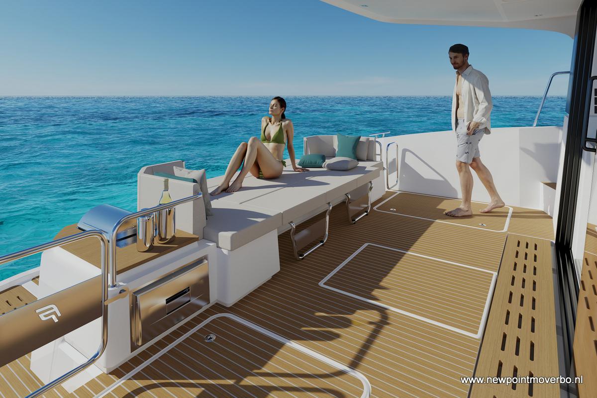MY4S--cockpit--sun-deck